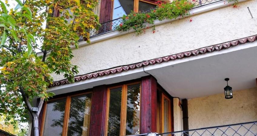 Foto Casa Cranta Brasov
