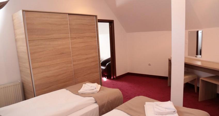 Vedere de ansamblu Cameră Triplă Hotel Apollonia