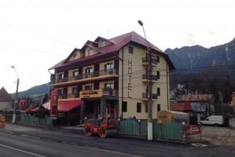 Vedere de ansamblu Hotel Maximilian Busteni