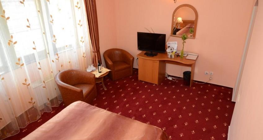 Cazare Cameră Dublă Matrimoniala Hotel Class Constanta